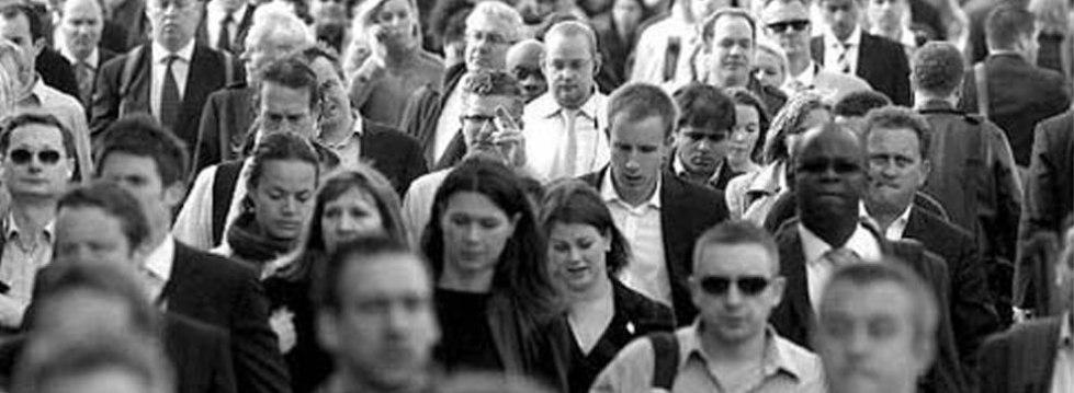 l'invisibilità della folla